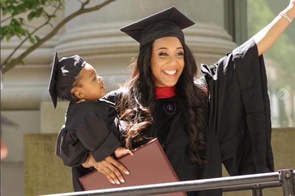 Elle passe un de ses examens à Harvard sous péridurale