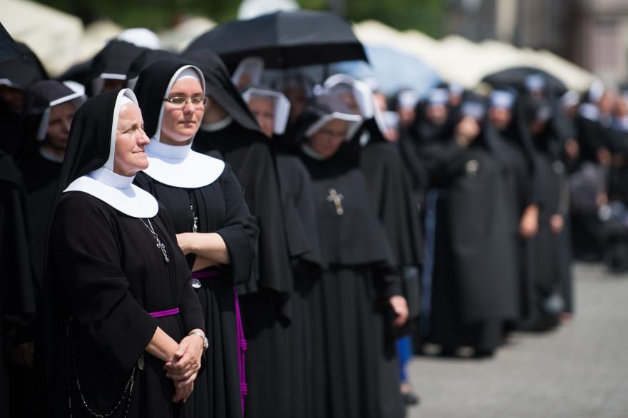 Des religieuses à Cracovie le 31 mai 2018