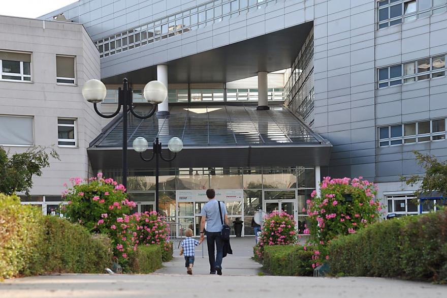 L'hôpital Jeanne de Flandre, où plusieurs enfants contaminés par E.Coli avaient été admis en 2011