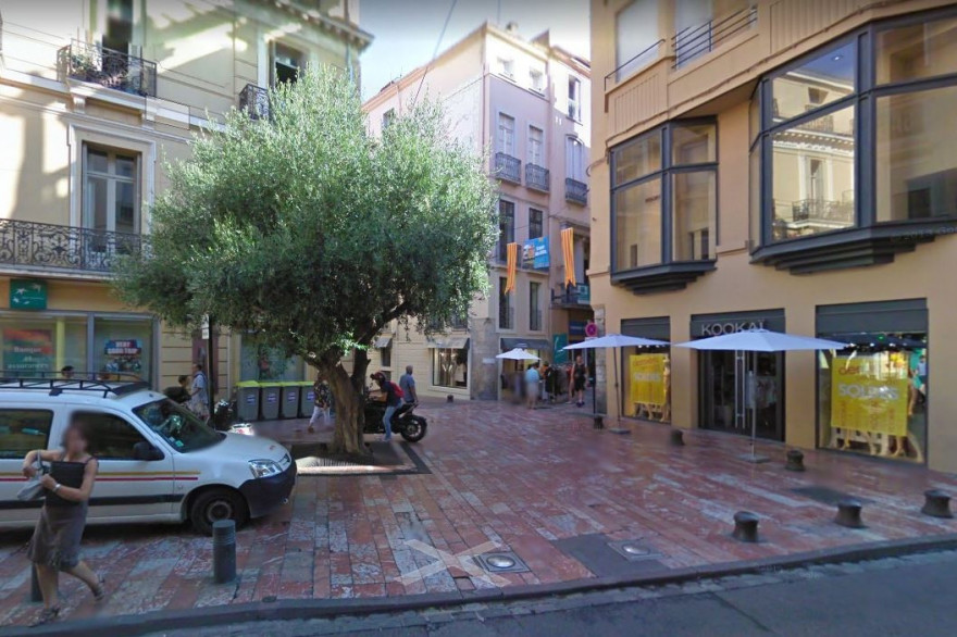 C'est sur la place Jean-Jaurès de Perpignan qu'a eu lieu l'agression.