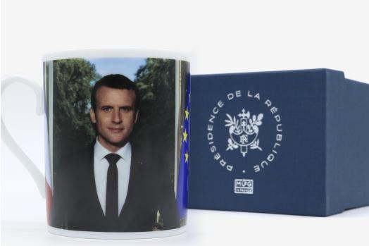 L'un des mugs vendus par la boutique de l'Élysée.