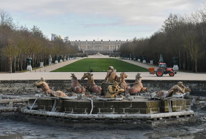 La fontaine du jardin du château de Versailles (illustration)