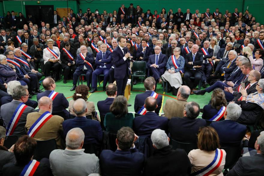 Emmanuel Macron devant les maires de France, le 15 janvier 2019, dans l'Eure