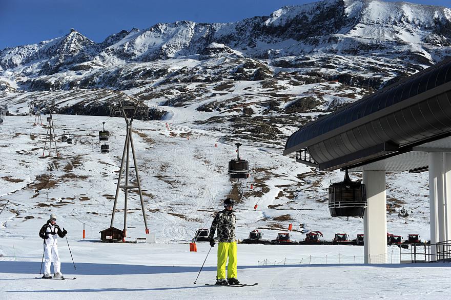 Des skieurs à l'Alpe-d'Huez