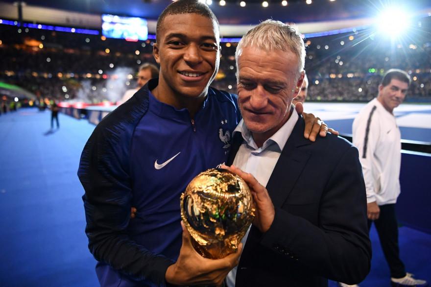 Kylian Mbappé et Didier Deschamps au Stade de France le 9 septembre 2019