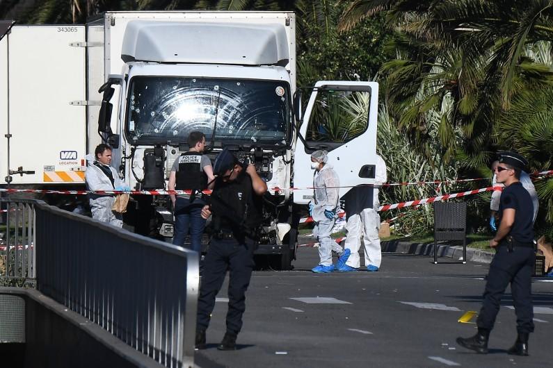 Le camion avec lequel Mohamed Lahouaiej-Bouhlel a tué 86 personnes le soir du 14 juillet 2016 à Nice