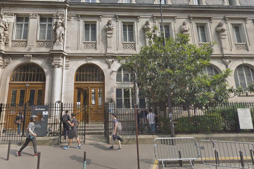 Le drame a eu lieu au lycée Janson de Sailly (XVIe arrondissement de Paris)