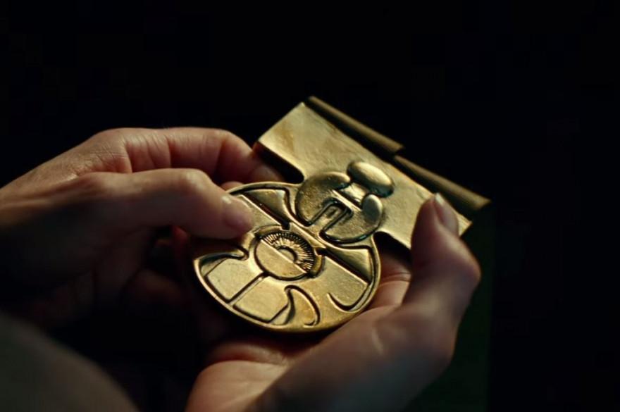 """Un médaillon tenu par Leia dans """"Star Wars 9"""" ?"""