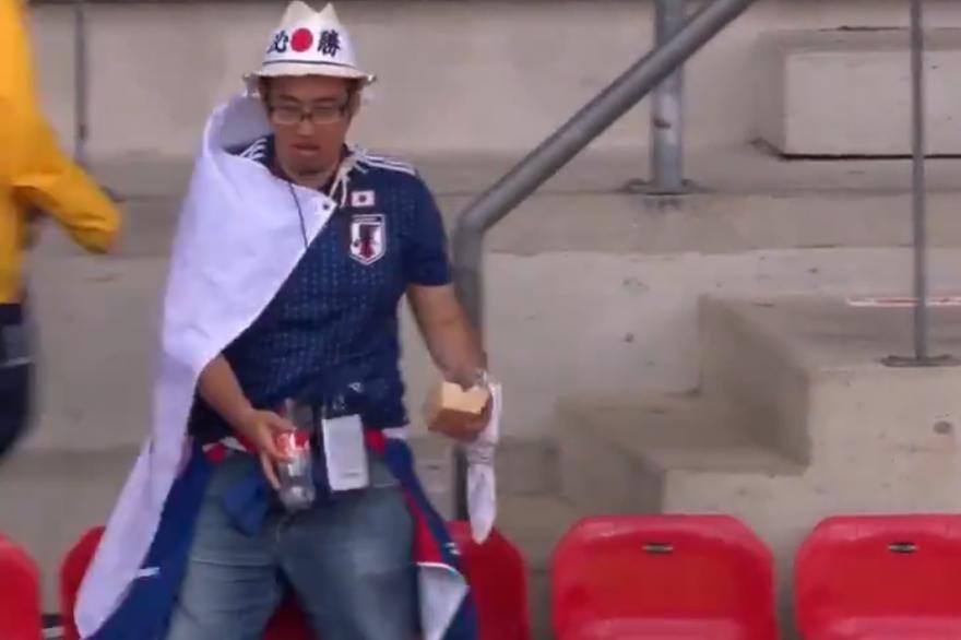 Un supporter japonais dans les tribunes du Roazhon Park à Rennes, vendredi 14 juin