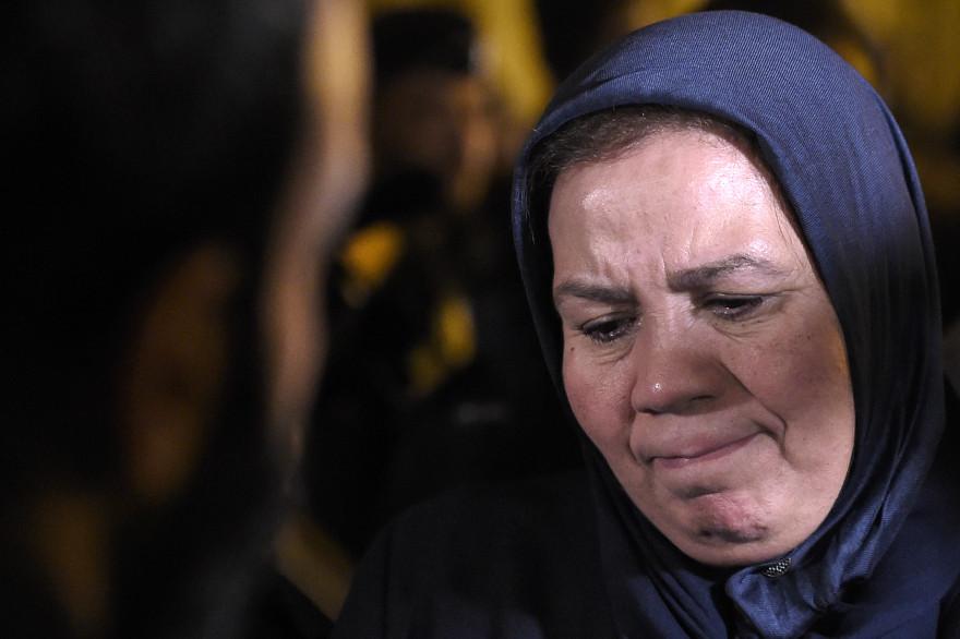 Latifa Ibn Ziaten retient ses larmes à la sortie du procès d'Abdelkader Merah