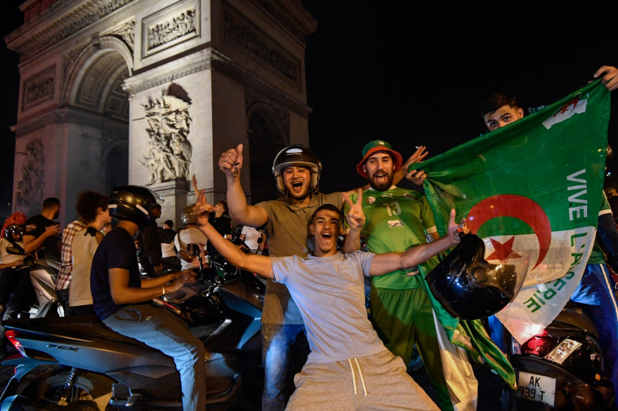 Des supporters de l'Algérie, le 19 juillet 2019 à Paris