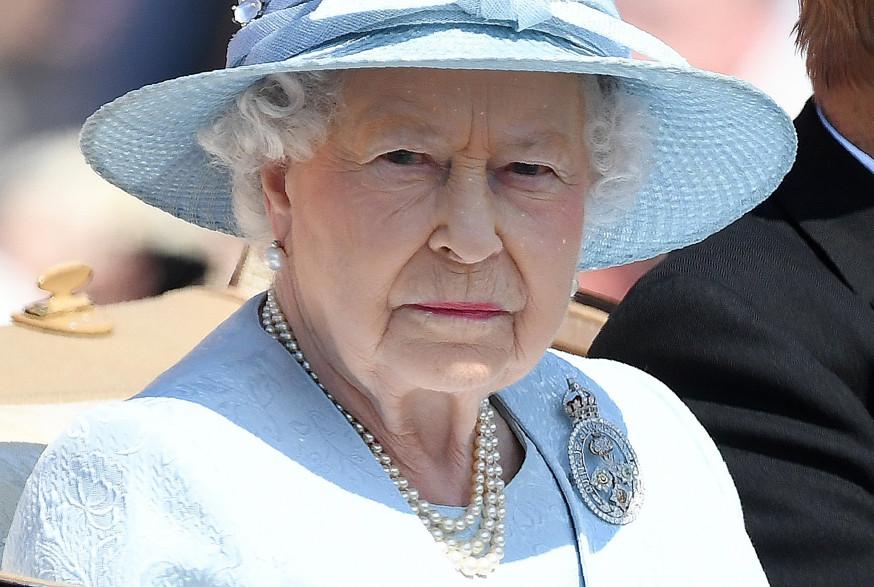 Elizabeth II lors d'une parade pour son anniversaire, samedi 15 juin