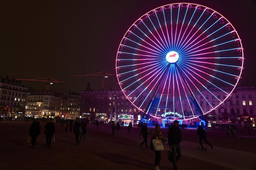 La Grande roue sur la place Bellecour à Lyon en 2016