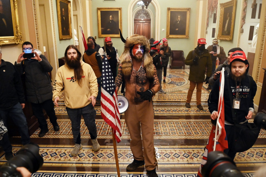 Des manifestants pro-Trump dans le Capitole, le 6 janvier 2021.