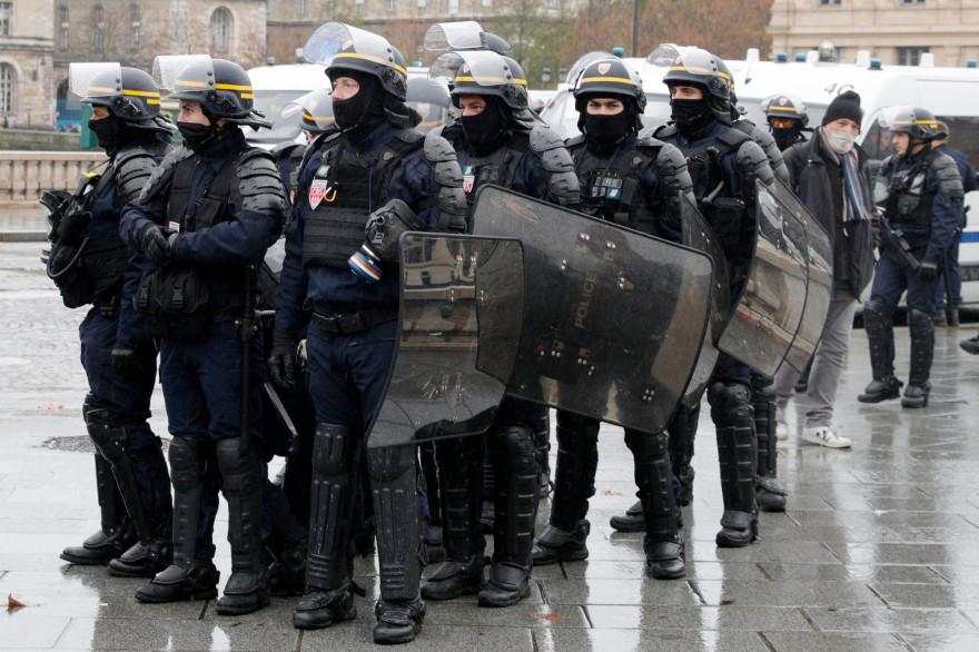 """Violences urbaines : création d'une nouvelle """"force d'appui rapide"""" pour le maintien de l'ordre"""