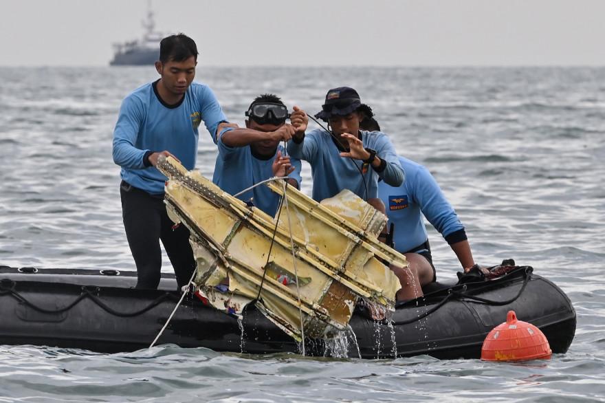 Un Boeing 737 a disparu des radars au large de l'Indonésie samedi 9 janvier 2021
