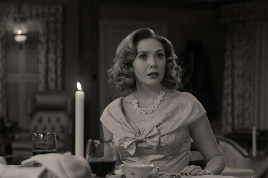 """Elizabeth Olsen (Wanda Maximoff) dans la série """"WandaVision"""""""