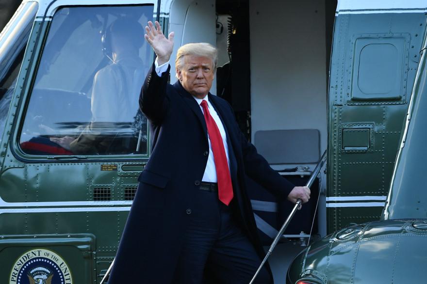 Donald Trump quittant la Maison Blanche, le 20 janvier 2021