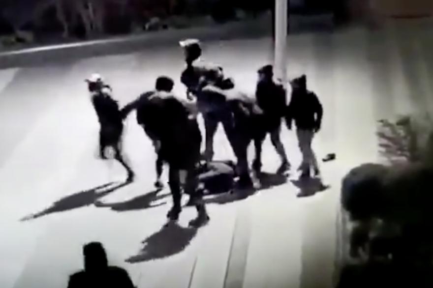 Une bande de jeunes a violemment tabassé un adolescent de 15 ans à Paris le 15 janvier dernier