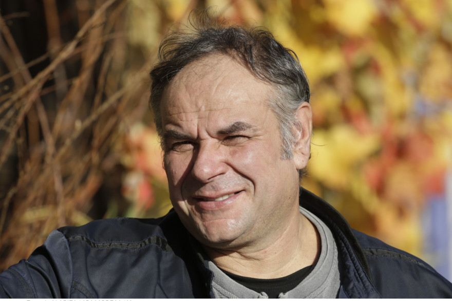Jean-Daniel, 53 ans, vigneron et éleveur de vaches en Suisse