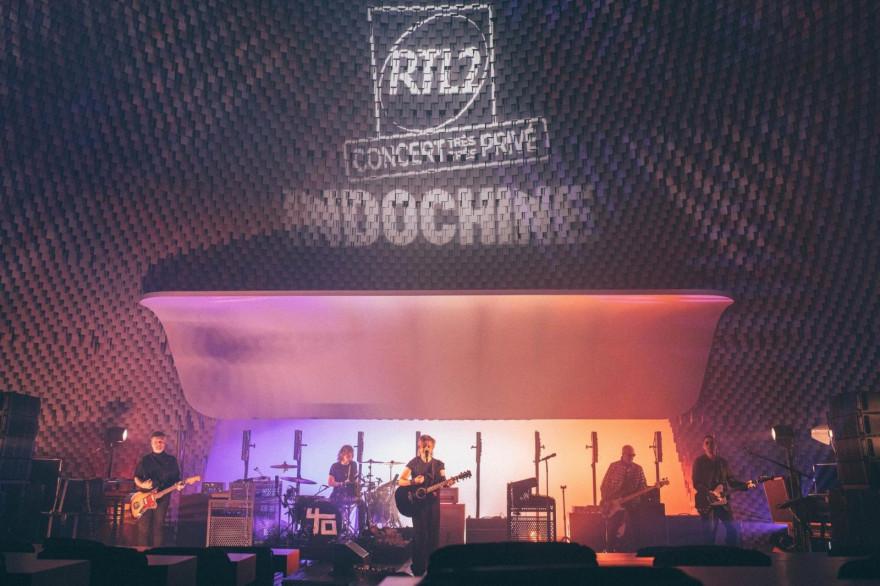 Indochine en concert à l'Espace Niemeyer à Paris