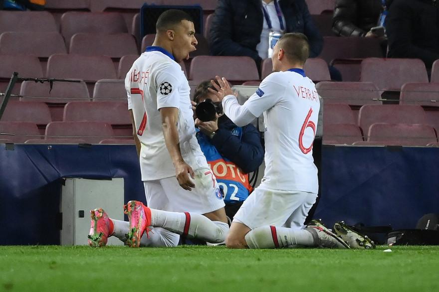 Kylian Mbappé et Marco Verratti au Camp Nou le 16 février 3021