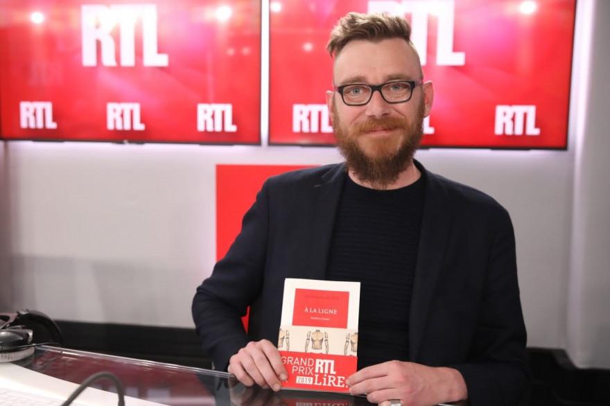 """Joseph Ponthus, élu Grand Prix RTL Lire 2019 avec """"À la ligne"""""""
