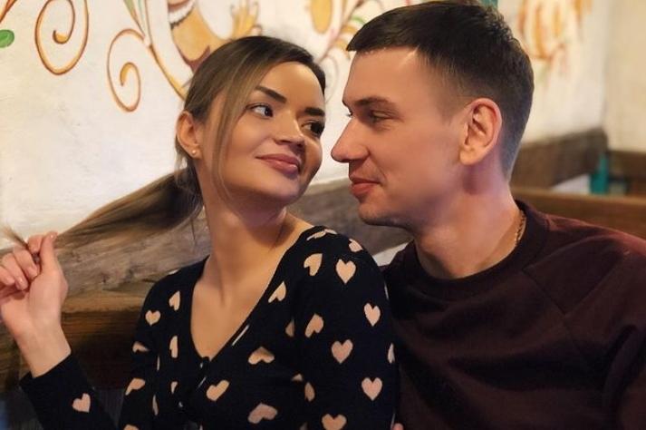Alexander et Viktoria ont décidé de vivre enchaînés pendant trois mois.