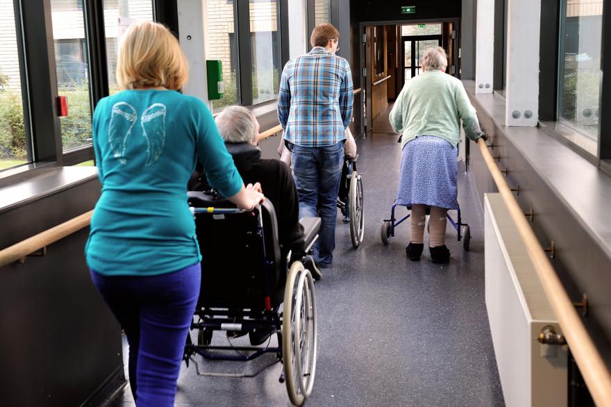 Des personnes âgées dans un Ehpad, en France