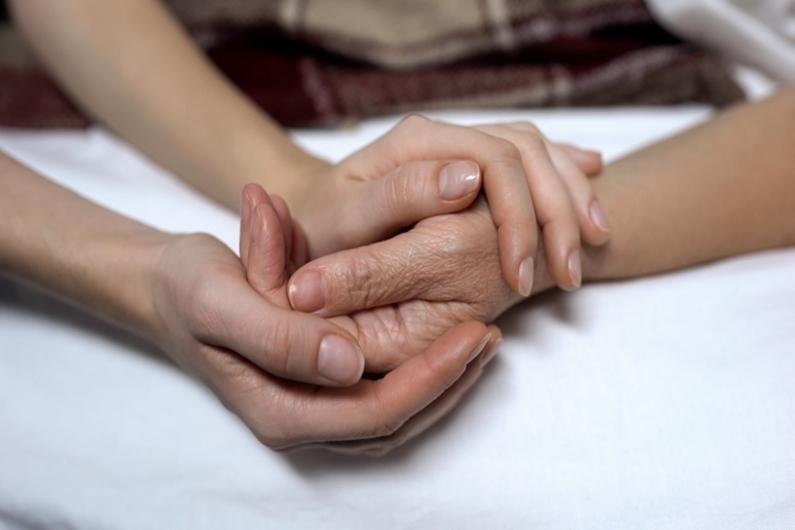 Euthanasie : devrions-nous pouvoir décider de notre fin de vie ?