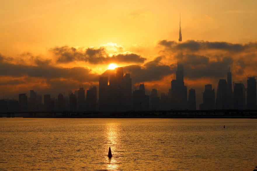 Vue de Dubaï et de sa tour spectaculaire Burj Khalifa