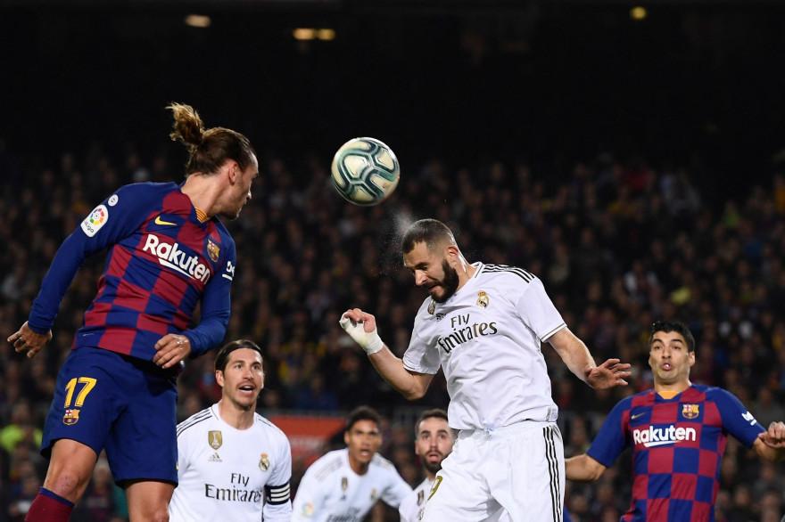 Antoine Griezmann au duel avec Karim Benzema le 18 décembre 2019 à Barcelone