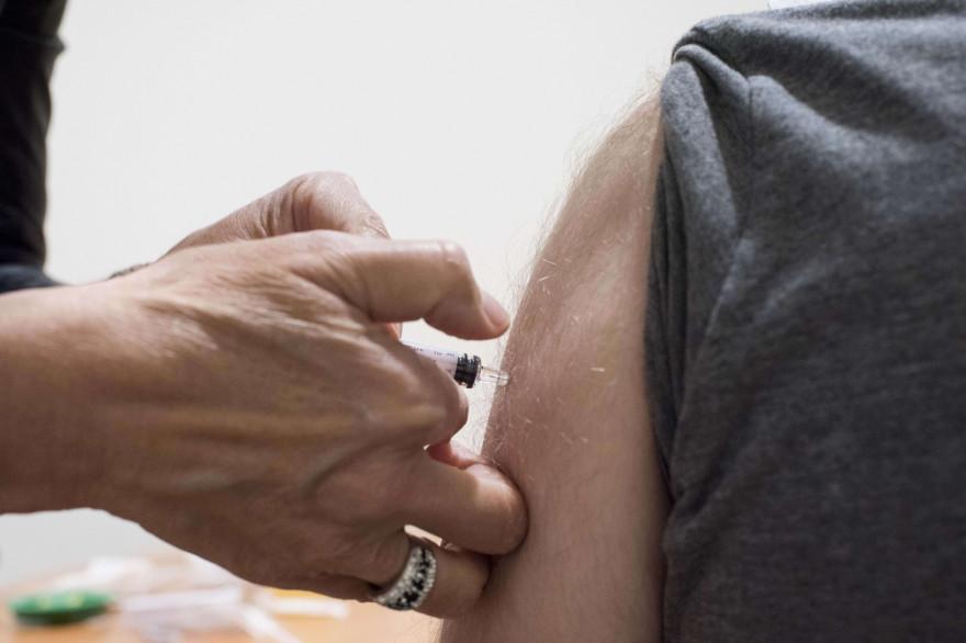 Une personne vaccinée contre le coronavirus (illustration)