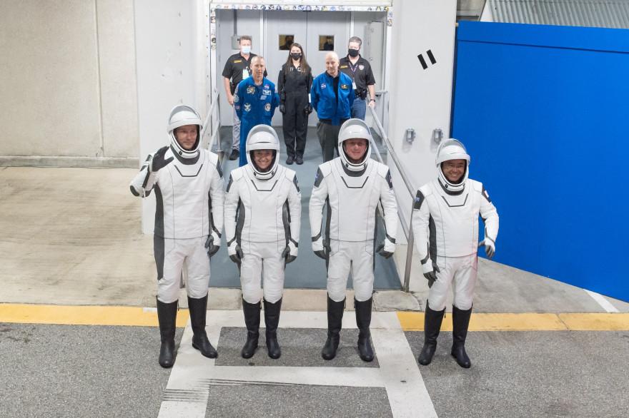 L'équipage de la mission Alpha