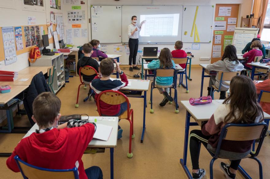 Photo d'une classe de l'école de Sajus, le 4 décembre 2020 à Ramonville dans la banlieue toulousaine. (Illustration)