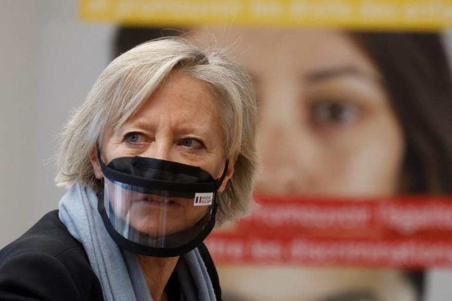 """La secrétaire d'État aux Personnes handicapées, Sophie Cluzel le 12 février 2021 à l'occasion de la journée d'inauguration du centre d'appel """"Anti-discrimination""""."""