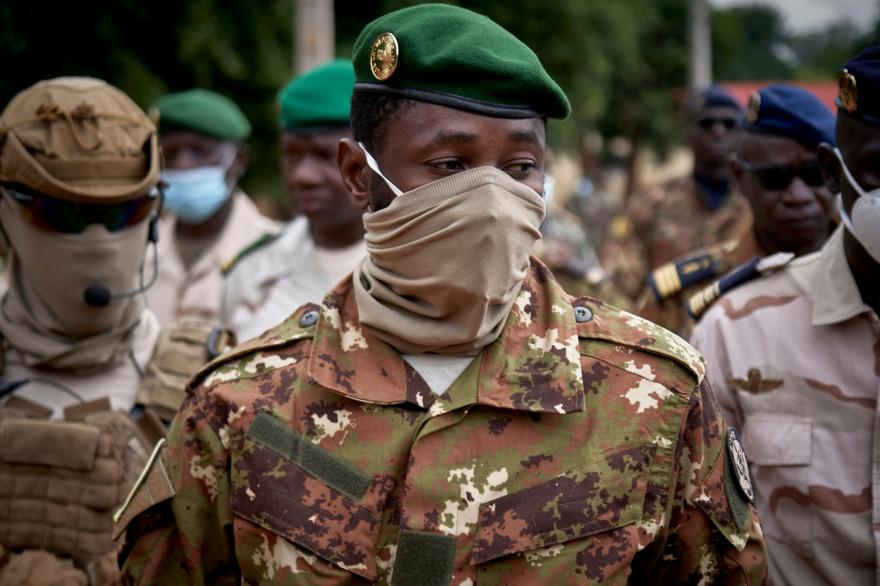 Mali : le colonel Goïta déclaré président après deux coups d'État en neuf  mois
