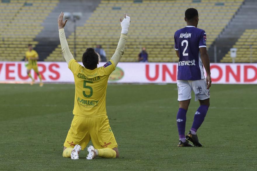 Le milieu de terrain Pedro Chirivella soulagé à la fin du barrage retour contre Toulouse au stade de La Beaujoire à Nantes, le 30 mai 2021.